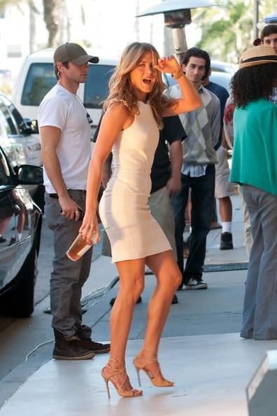 Jennifer aniston jambes 1